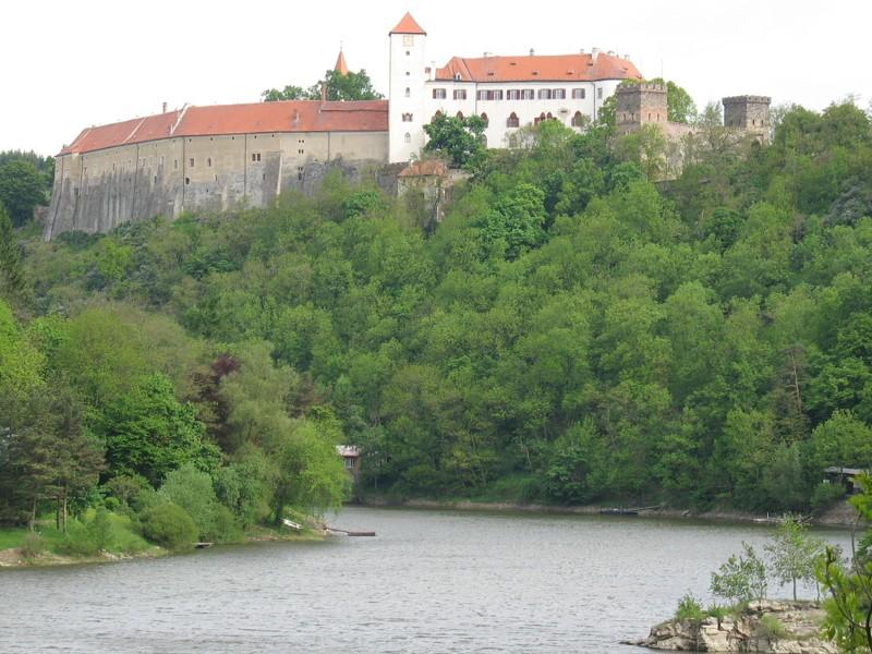 Hrad Bítov nad Vranovskou přehradou