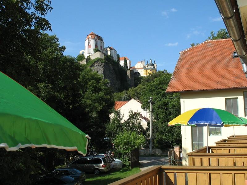 Výhled na Vranovský zámek