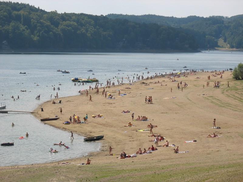 Vranovská přehrada - hlavní pláž