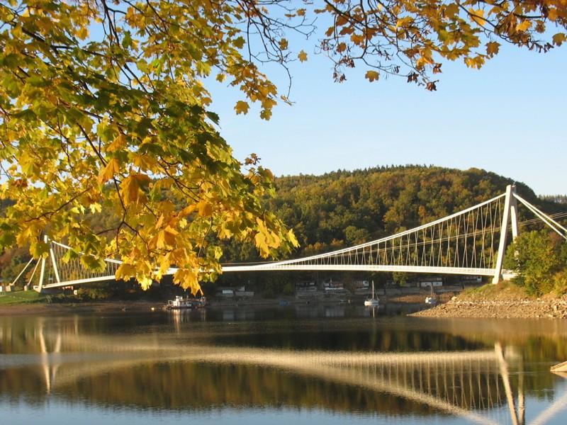 Vranovská přehrada na podzim